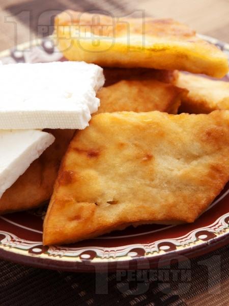 Мекици с кисело мляко и сода (без втасване) - снимка на рецептата